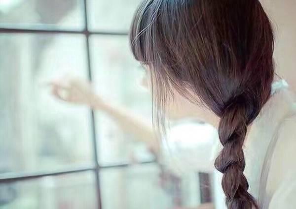 喜欢隔着一窗明净 ..